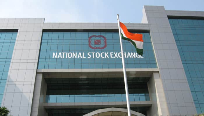 NSE to launch weekly options on USD-INR on December 3