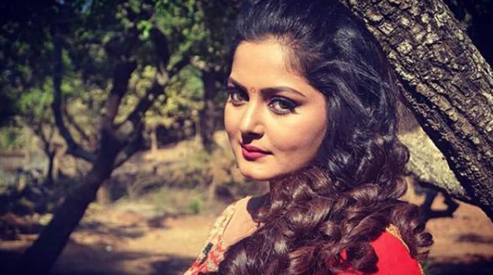 Hotcake Anjana Singh shares a throwback pic from Munna Mawali-See pic