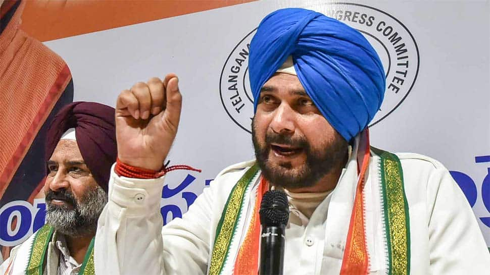 Sidhu takes a U-turn, says went to Pakistan on Imran Khan's personal invite, not Rahul's command