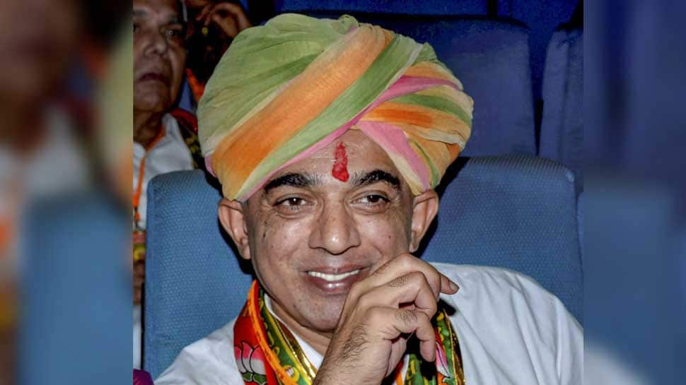 Will you vote for incoming govt or outgoing: Manvendra's poser to Rajasthan voters