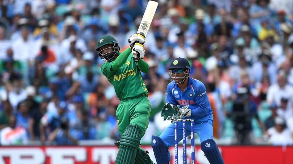 Pakistan opener Mohammad Hafeez retires from Test cricket