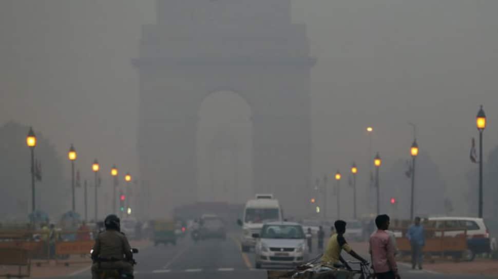 Cold day in Delhi as minimum temperature settles at 9.8 degrees Celsius