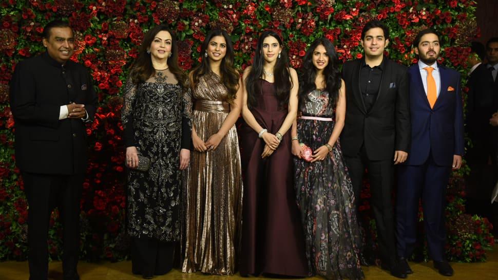 Isha Ambani-Anand Piramal wedding: Mukesh Ambani and Nita Ambani perform on a Bollywood number-Watch
