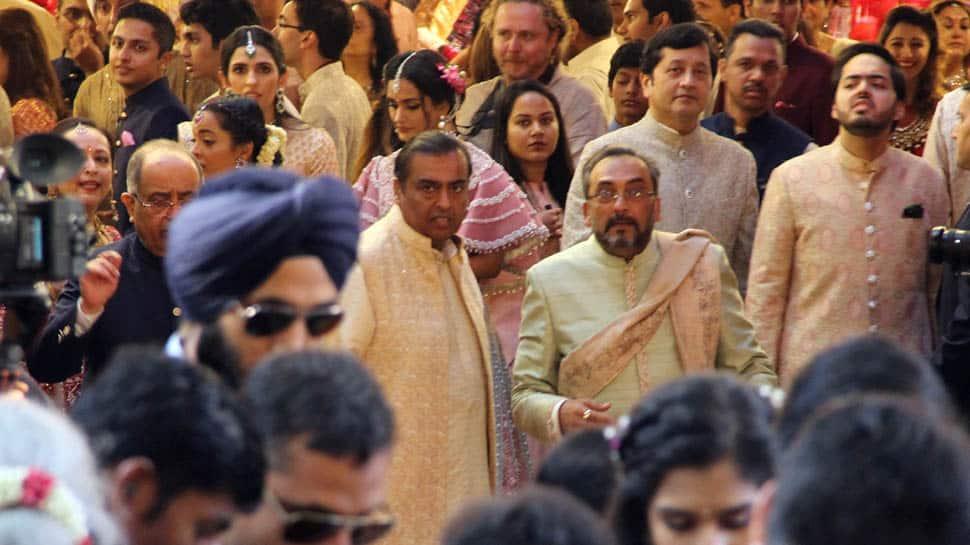 Isha Ambani-Anand Piramal's wedding: Guests arrive at Mukesh Ambani's residence Antilla