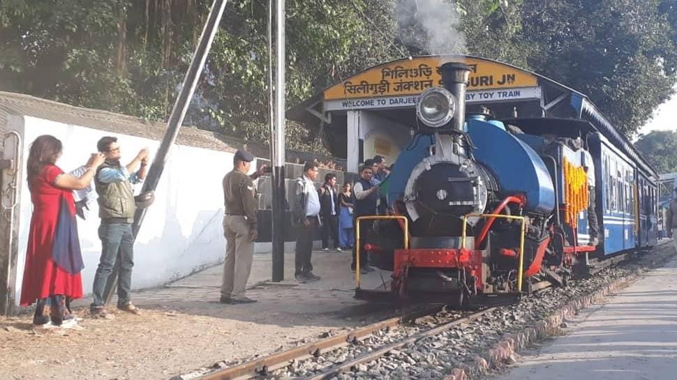 Darjeeling Himalayan Railway starts evening toy train service between Siliguri and Rongtong junctions