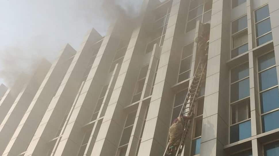 Mumbai: 5 dead, over 100 injured after massive fire breaks out at Andheri hospita6