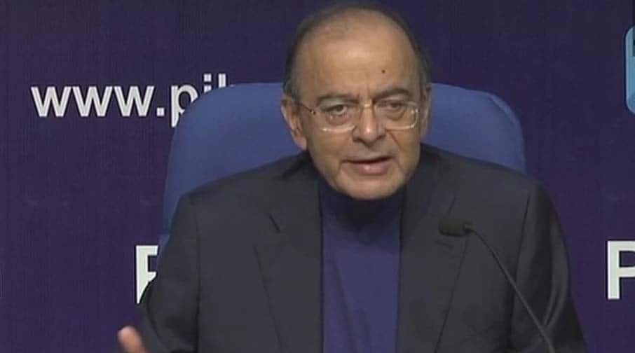 Arun Jaitley, Congress spar over MHA order on monitoring computers