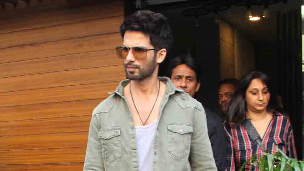 Shahid Kapoor rocks the casual look as he steps out after photoshoot