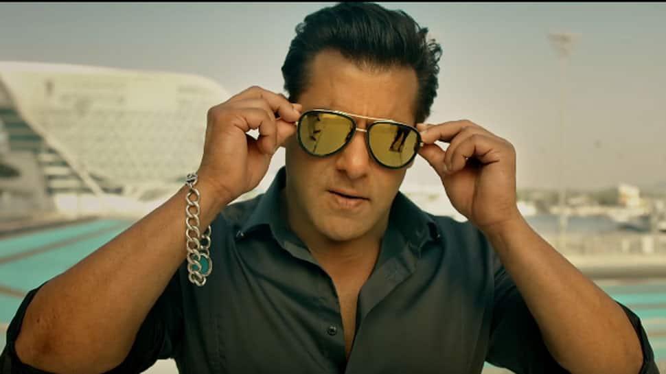Salman Khan shakes a leg with Sohail Khan and Arbaaz Khan at Arpita Khan's Christmas bash—Watch