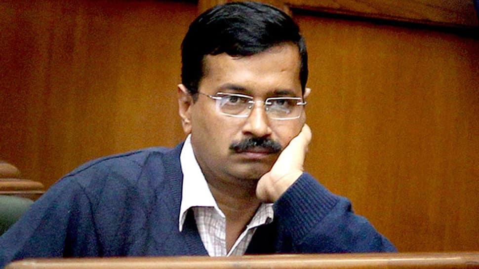 Watch: Nitin Gadkari rescues Arvind Kejriwal's speech after BJP workers troll CM by coughing