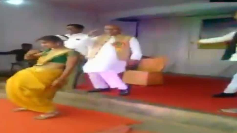 Watch: NCP MP Madhukar Kukde dances on 'Aankh Maare' at school function