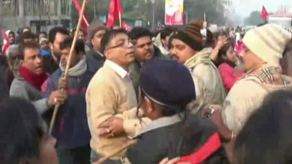 Bharat Bandh: Clashes broke out between TMC and CPM workers in Asansol