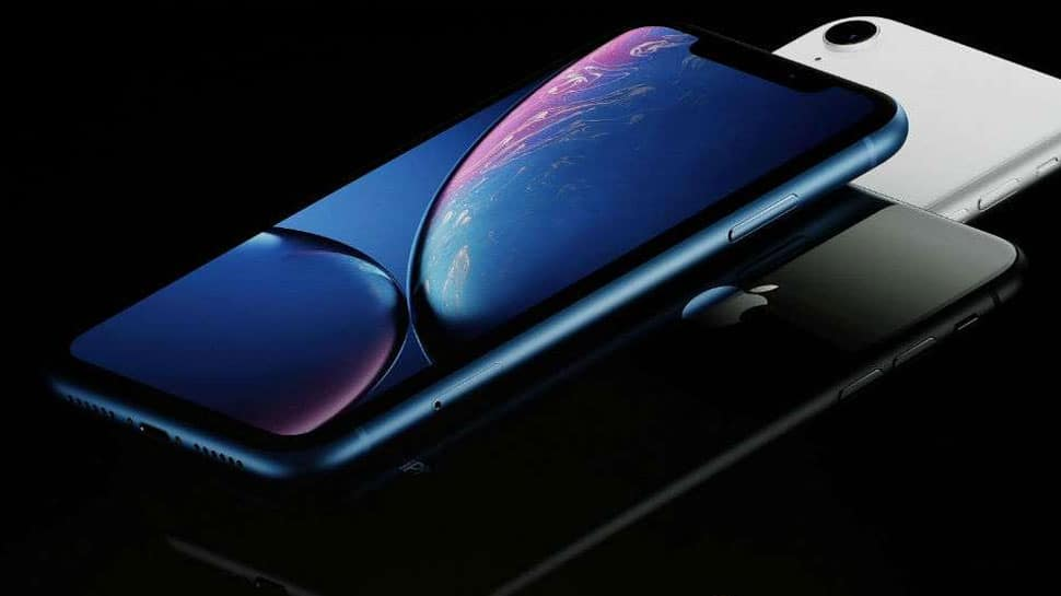 Apple retailers offer massive discount on iPhones