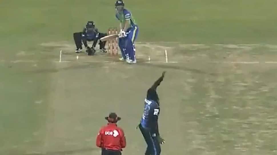 BPL: David Warner smashes 14 runs in 3 balls as a right-hander against Chris Gayle