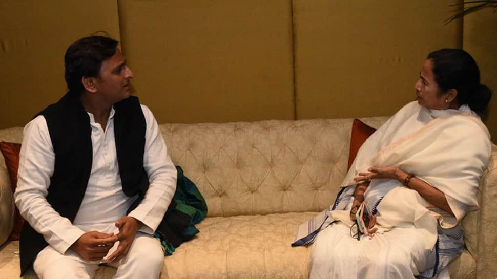 Let's make sure BJP gets a Zero: Mamata Banerjee, Akhilesh Yadav vow at United India Rally