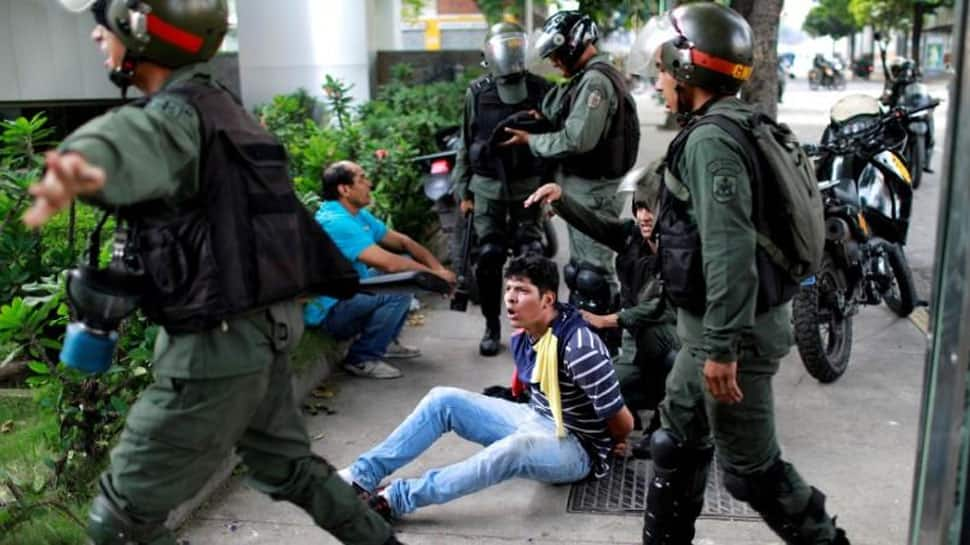 Venezuela arrests rogue officers after military revolt in Caracas