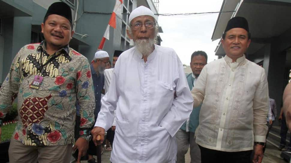 Indonesia weighs early release of cleric linked to Bali bombings