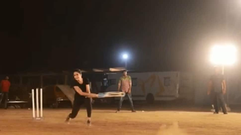 Katrina Kaif plays cricket on 'Bharat' sets, asks Anushka Sharma for help, says 'Apna Time Ayega' – Watch