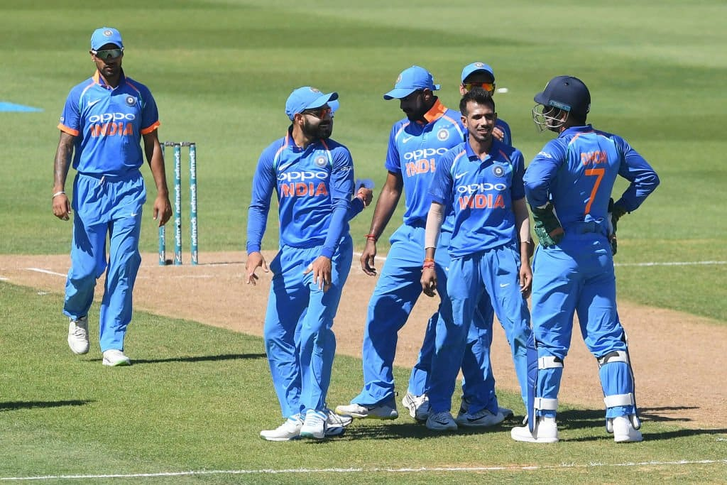 India crush New Zealand by 8 wickets in first ODI after sun-induced stoppage
