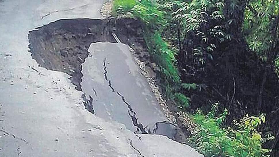 Jammu-Srinagar highway off limits for 5th day due to landslides