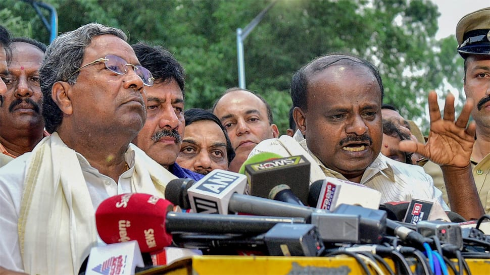 Congress downplays rift after Kumaraswamy says ready to step down as Karnataka CM