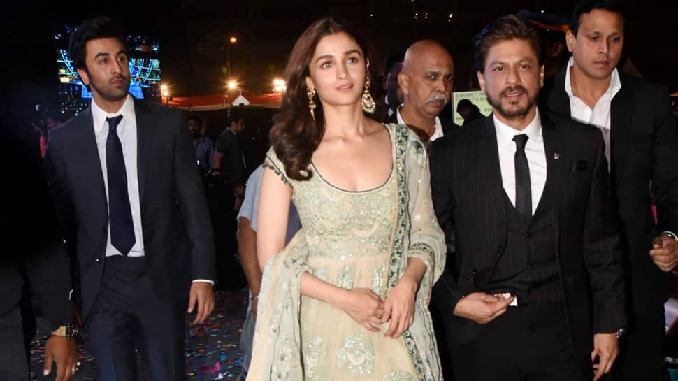 Shah Rukh Khan, Alia Bhatt and Ranbir Kapoor walk-in together at Umang Awards 2019 - See pics
