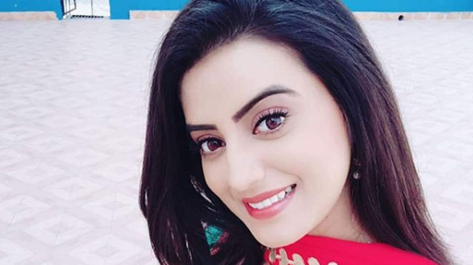 Akshara Singh's latest pic shows her in a stylish avatar—See pic