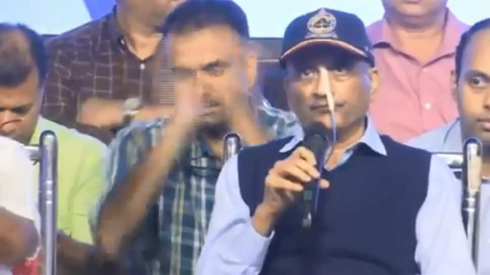 Ailing Manohar Parrikar presents Goa budget, says he's high on 'josh'