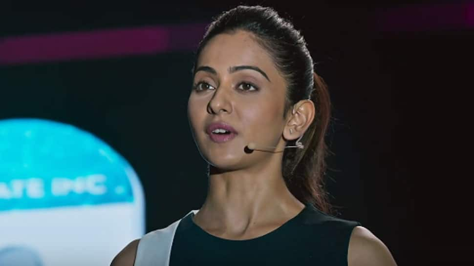 Rakul Preet and Karthi starrer 'Dev' trailer out!—Watch
