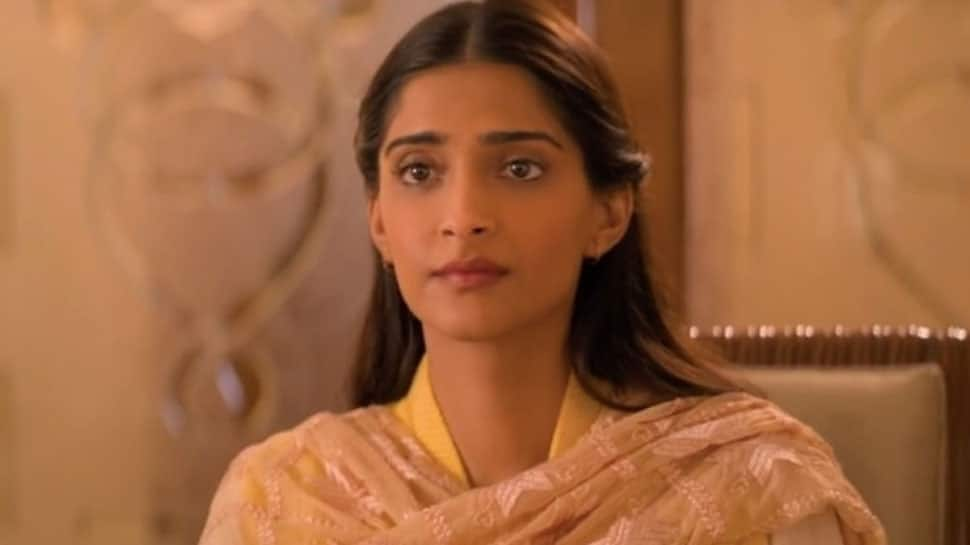 Ek Ladki Ko Dekha Toh Aisa Laga movie review: Sonam Kapoor's 'secret' love story ushers new-age romance