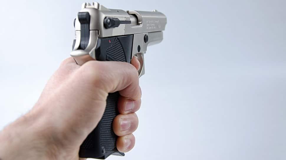 Man held with pistol, bullets at Delhi Metro station