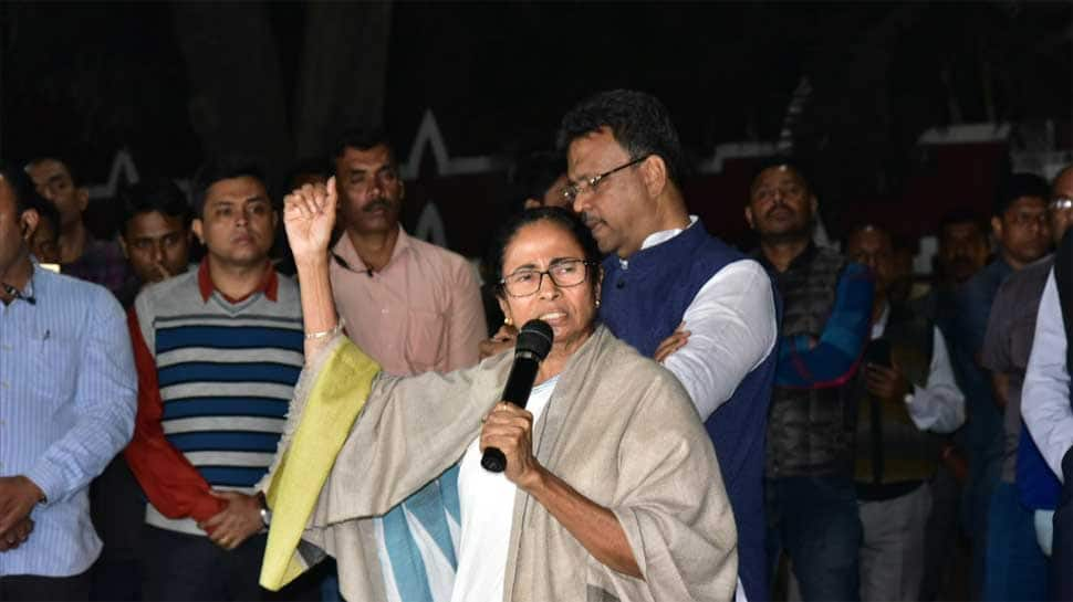 Opposition parties pledge support to Mamata Banerjee in Kolkata Police vs CBI battle
