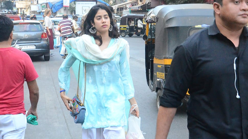 Janhvi Kapoor's desi look will remind you of her 'Dhadak' days - See Pics