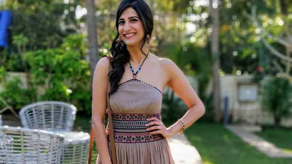 Filmmakers scared to make women look different: Aahana Kumra