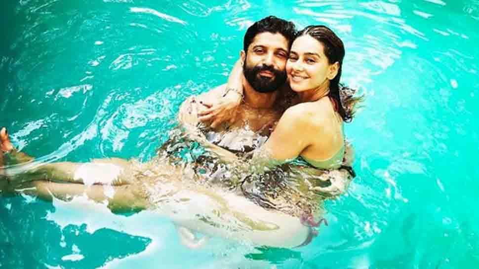 Farhan Akhtar goes all romantic for rumoured girlfriend Shibani Dandekar, pens down adorable poem