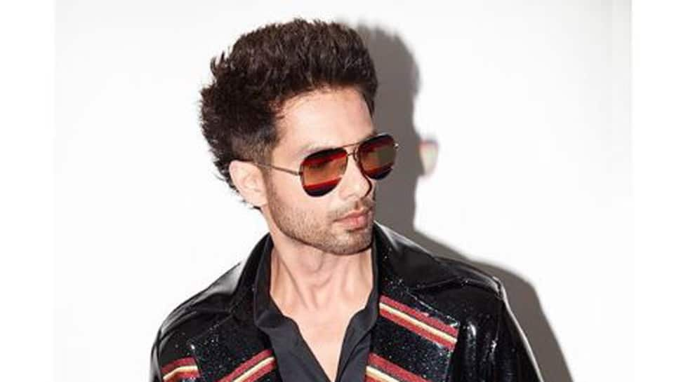 Shahid Kapoor Pulls Off A Ranveer Singh In This Blingy Outfit See