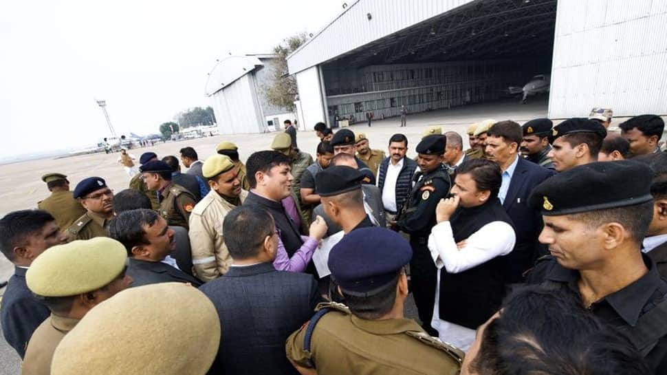Akhilesh Yadav stopped at Lucknow airport, SP-BSP delegation to meet UP Governor today