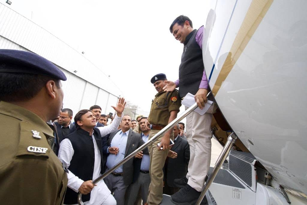 SP-BJP face-off continues in UP over Akhilesh being stopped at Lucknow airport