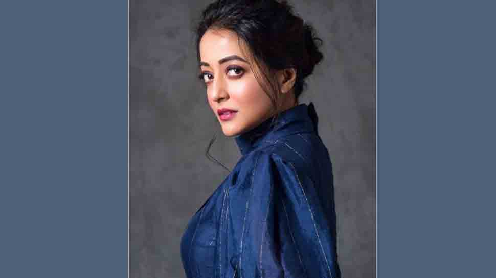 Films providing larger than life experience can bring people to theatre: Raima Sen