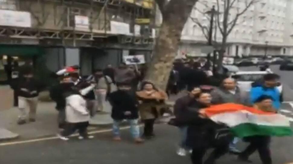 Pulwama attack: Slogans of 'Pakistan Murdabad', 'Pakistan terrorist' raised during protest in London