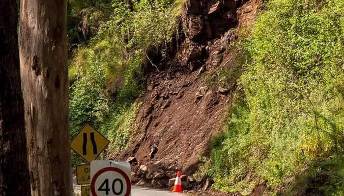 Landslides halt traffic on Jammu-Srinagar highway
