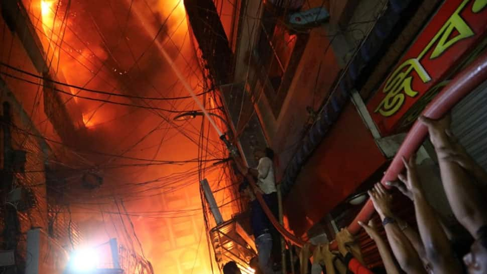 Fire in Dhaka kills dozens