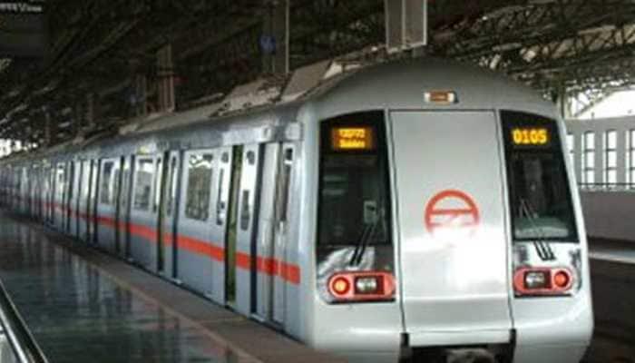 Man falls on Delhi Metro tracks, right foot severed by train