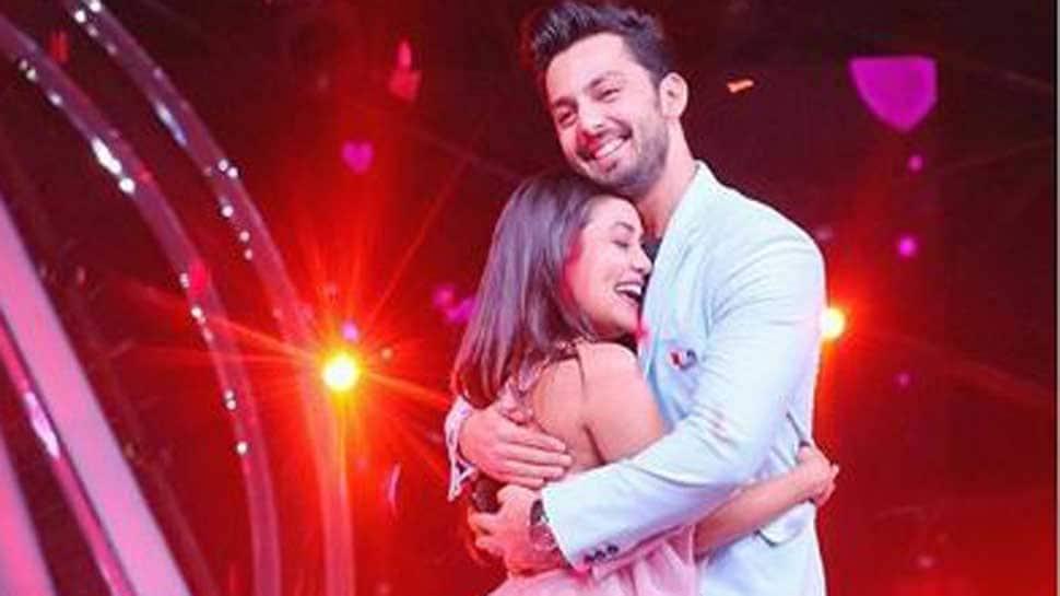Neha Kakkar lashes out at netizens for badmouthing ex-boyfriend Himansh Kohli