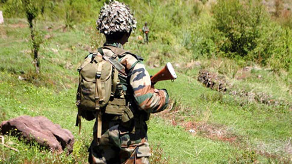 Pakistan violates ceasefire along LoC, 5 soldiers injured