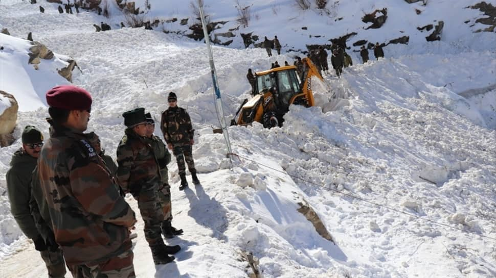 Himachal Pradesh avalanche: Another army jawan's body recovered, four still missing