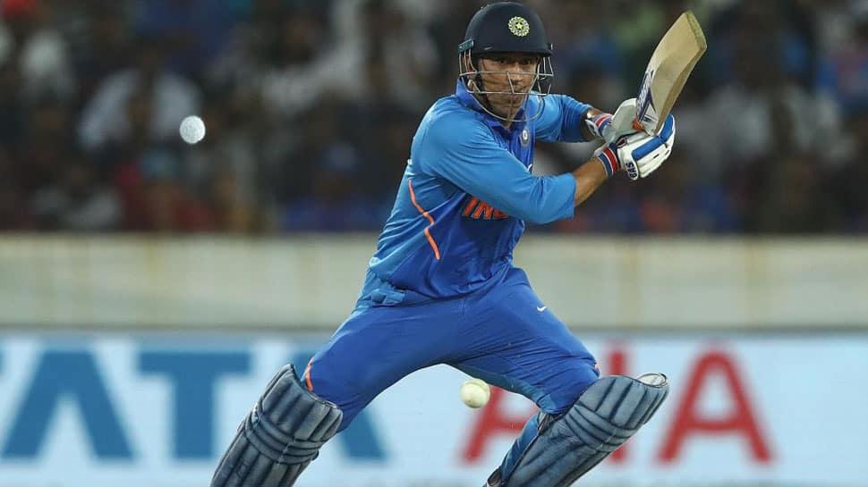 Kedar Jadhav, MS Dhoni lead India to six-wicket win over Australia in first ODI