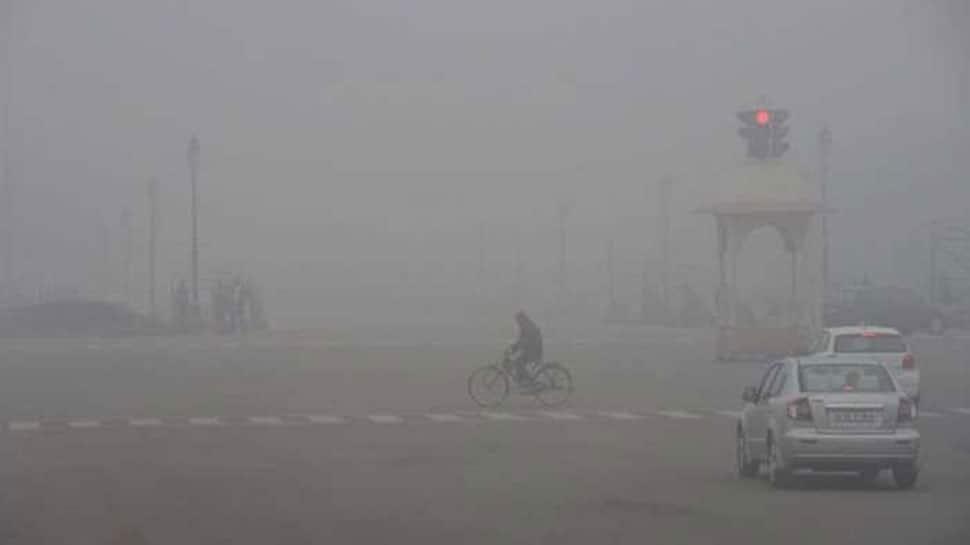Delhi-NCR wakes up to dense fog, 10 flights diverted