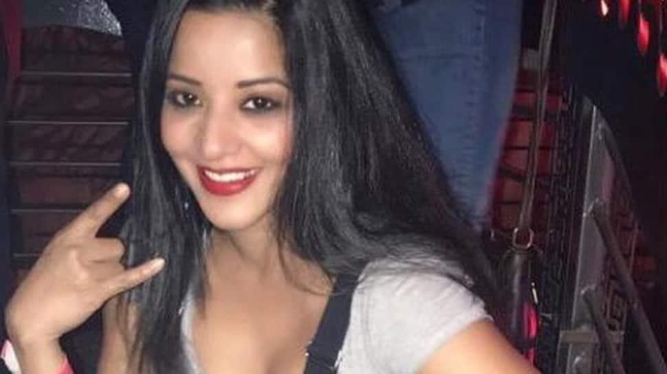 This pic of Monalisa aka Jhuma Boudi will drive away your blues
