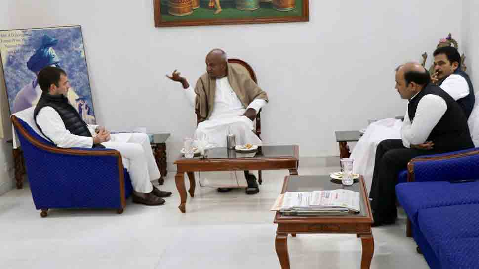 Rahul Gandhi meets JDS chief Deve Gowda, discusses seat sharing in Karnataka for 2019 Lok Sabha election